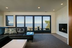 MidCentury Renovation - contemporary - family room - seattle - Sawhorse Design & Build