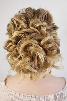24 Mother Of The Bride Hairstyles ❤ See more: http://www.weddingforward.com/mother-of-the-bride-hairstyles/ #weddings #hairstyles
