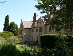 ART and ARCHITECTURE, mainly: William Morris and Tudor architecture in Adelaide: Carrick Hill