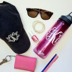 Talking about our favorite college girl essentials on the blog today! Y'all should check it out at midwestdarlings.com