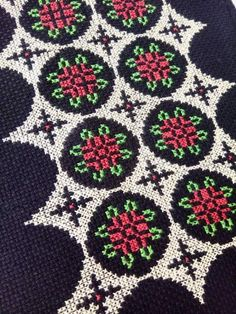 Cross Stitch Embroidery, Hand Embroidery, Cross Stitch Patterns, Beaded Flowers, Needlework, Diy And Crafts, Projects To Try, Blog, Towels