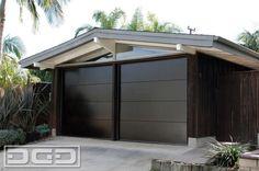 Mid Century Garage Door Design by Dynamic Garage Door (855) 343-DOOR for a Cliff May California Ranch Home in Long Beach, CA by DynamicGarageDoors