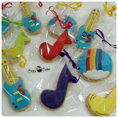 Imagen relacionada Baby Boy 1st Birthday, Rainbow Birthday, 1st Birthday Parties, Junior Express, Music Party, Disney Junior, Baby Party, Cookie Decorating, Party Invitations