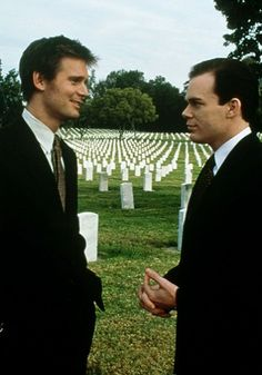 Six Feet Under (2001-2005) Nate and David. Love this relationship.