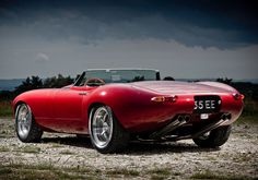 Jaguar-E-Type-Speedster-Rear-Angle