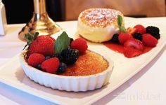 Creme Brulee With Berries 🍓⠀ ⠀ #cremebrulee #berries #strawberries #brulee #yummy #delicious