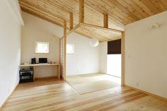 【アイジースタイルハウス】畳・和室。リビングの一角に配置した和室。壁や柱は設けず建具のみで仕切り、すっきりした印象に!