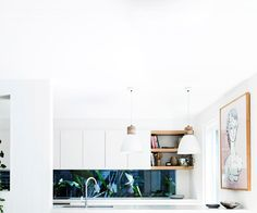 A coastal weatherboard home in Byron Bay Bisque Interiors, Hut House, Weatherboard House, Australia House, Greenhouse Interiors, 1920s House, Clutter Free Home, Melbourne House, Dream House Interior