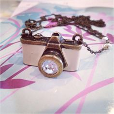 Super cute camera necklace:-)