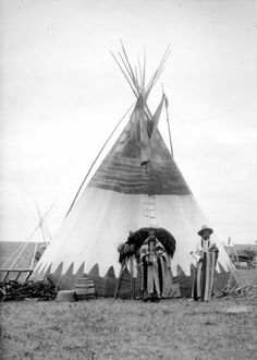 Native American Tribes, Native American History, American Indians, Native Americans, Indian Teepee, Pretty Pictures, Pretty Pics, Indian Artifacts, Old West