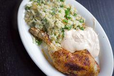 Kylling, pandestegte blomkålsris med løg og grønne bønner & fetacreme med hvidløg og røget paprika