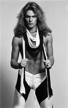 David Lee Roth 1979 by Lynn Goldsmith Alex Van Halen, Eddie Van Halen, Rock N Roll, Jim Kerr, Lynn Goldsmith, Jerry Goldsmith, David Lee Roth, Studio Portraits, Latest Music