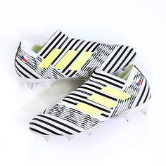 """Rozpoutej peklo. Rozmotej obránce.🏁 Nové kopačky @adidas """"Nemeziz"""" jsou na světě! Co na ně říkáš? (👇🏽dej emotikon tvé první reakce😁)#Top4Football #Adidas #AdidasFootball #Nemeziz #Praha #Ječná15 #Brno #Bubeníčkova13 #Bratislava #Grosslingova7"""