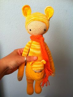 KIRA the kangaroo made by Wendy / crochet pattern by lalylala