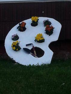 paint pallet planter
