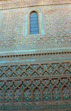 zaragoza. catedral de la seo. Panel mudejar del XVI  en la fachada lateral