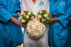 Floral bouquet Mickey Mouse. Photo: Pedro, Disney Fine Art Photography