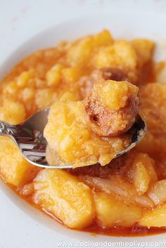 PATATAS GUISADAS con CHORIZO (stewed potatoes and spanish chorizo) [cocinandoentreolivos]