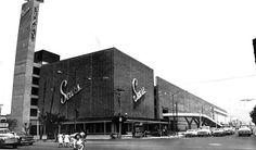 Esta obra del arquitecto Enrique del Moral (1905-1987) estaba ubicada en una esquina de las avenidas Instituto Politécnico Nacional y Montevideo, al nororiente de la capital del país. Sears Lindavista: una tercera oportunidad en el 85 - construccion Obrasweb.mx