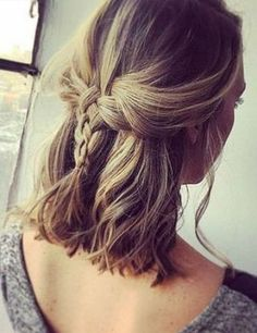 Hair scarf is a decorative element that enhances the look of your hair. Here are 25 great ideas how to wear hair scarf you must try this summer! Medium Hair Cuts, Medium Hair Styles, Short Hair Styles, Natural Hair Styles, Ponytail Hairstyles, Weave Hairstyles, Straight Hairstyles, Messy Ponytail, Double Ponytail