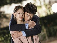 Doctors: Kim Rae Won and Park Shin Hye behind the scence PD note Doctors Korean Drama, Korean Drama Movies, Drama Tv Shows, Drama Film, Korean Celebrities, Korean Actors, Lee Min Ho Kdrama, Back Hug, Kim Rae Won
