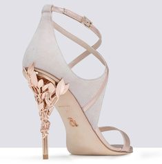 0bf72077073 10 Best Rose gold sandal outfits images in 2019