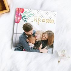 New! Everyday Bright Floral is a beautiful new photo book theme with white, black, and gold accents and pops of floral color. Mom will love this theme! Shop our feed via link in our bio! #lifeisgood    #Regram via @mixbook