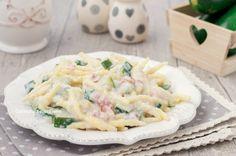 La pasta zucchine Philadelphia e pancetta è un primo davvero favoloso, gustosissimo, cremoso e saporito, pronto in pochi minuti!