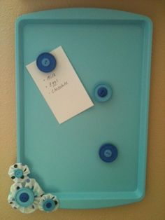 Cookie Sheet Magnet Board | use some chalk board paint?