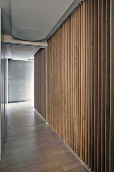 Redchurch Loft Apartment / Studio Verve Architects Wall Design, House Design, Loft Design, Design Design, Corridor Design, Timber Cladding, Timber Slats, Clinic Design, Apartment Design