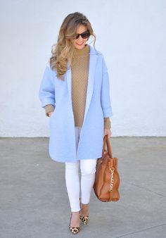 Blue coat, Michael Kors bag, animalprint heels and white pants Blue Blazer Outfit, Blazer Outfits Casual, Light Blue Coat, Mein Style, Knitwear Fashion, Blue Coats, Fashion Outfits, Clothes, White Pants