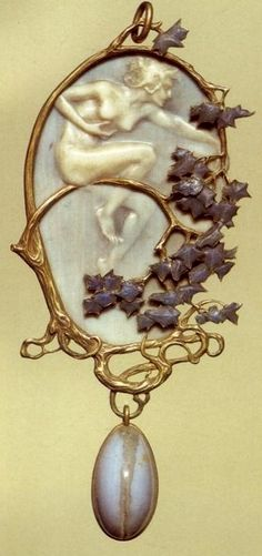 Lalique 1899-1900 signed 'Nymph' Pendant: gold/ enamel/ ivory/ agate: acquired from the artist in 1901 museo.gulbenkian.pt