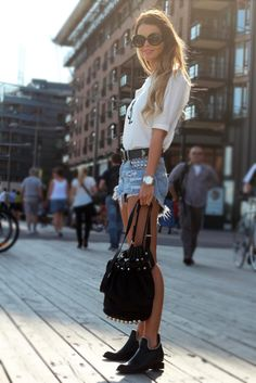 basic tee, jean shorts with chunky black belt, black booties and lack backpack