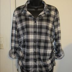 Flannel shirt Flannel shirt, adjusted sides. Tops Tees - Long Sleeve