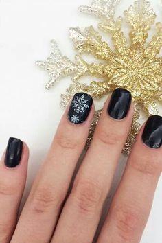 Winter Nails Designs - My Cool Nail Designs Holiday Nails, Christmas Nails, Classy Christmas, Black Christmas, Christmas Fashion, Winter Christmas, Christmas Time, Sally Hansen, Cute Nails