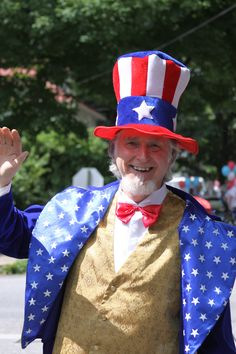 2013 - Locally Inspired Insurance® INSURANCE OUTFITTERS is pleased and proud to share our photos of Shepherdstown's annual Independence Day parades.