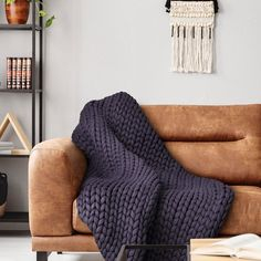 Your Lifestyle by Donna Sharp Chunky Knit Throw - Overstock - 21529411 Shabby Chic Material, Most Comfortable Sheets, Chunky Knit Throw, Soft And Gentle, Knitted Throws, Fashion Room, Knitting Designs, Knit Patterns, Arm Warmers