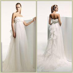 Beautiful! Looks like the sailor moon princess serenity dress Love! I think I found my future wedding dress ❤
