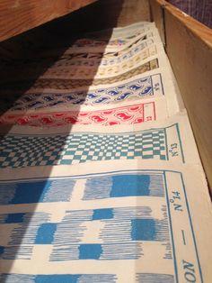 à Paris chez Antoinette Poisson: Le papier dominoté décore les murs de GALERIE SALON