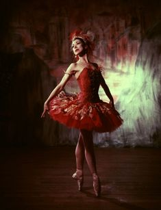 The One and Only, Ballerina Margot Fonteyn as The Firebird in the 1954 Sadler's Wells ballet production; Photo by Baron. ❤༻ಌOphelia Ryan ಌ༺❤