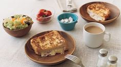 This links to the Wooden Tableware page of the MUJI Online Store, a great place to look for simple kitchenware.