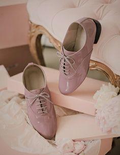 milkcocoa Pastel Outfit, Oxford Shoes, Flat Shoes, Manolo Blahnik, Fashion Shoes, Footwear, Flats, Shoe Bag, Oxfords