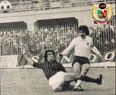 Claudio Sala contrastato da Maldera, 16 gennaio 1977, Milan vs Torino 0-0