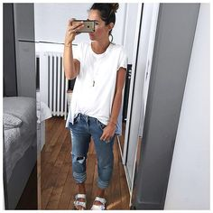 Tenue d'hier et air (pas sympa) concentré • Jewels #mademoisellepierre (on @mademoisellepierreofficiel) • Top #wildwood (soon on @isapera.sandals) • Jean #fivejeans (on @five_jeans) • Sandals #birkenstock ...