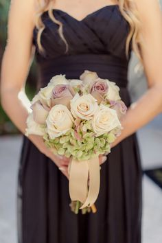 Genius ways to save money on your wedding flowers
