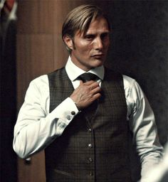 Image de gif, hannibal lecter, and hannibal
