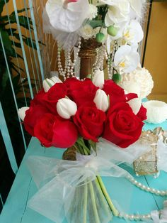 Wedding bouquet rose and pulipan