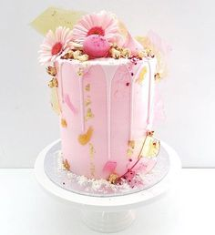 Beautiful pic of pink drip cake.