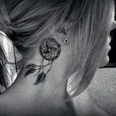 Behind the Ear Tattoo with Dreamcatcher. Behind The Neck Tattoos, Small Neck Tattoos, Neck Tattoos Women, Small Tattoos For Guys, Dream Catcher Tattoo Small, Dream Catcher Tattoo Design, Tattoo Designs, Semicolon Tattoo Placement, Body Art Tattoos