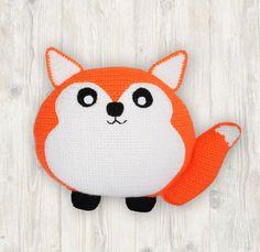 Fox Pillow Cushion Crochet Pattern at Makerist Baby Pillows, Kids Pillows, Crochet Alphabet, Pattern Cute, Fox Pillow, Cute Cushions, Crochet Fox, Letter Patterns, Christmas Hat